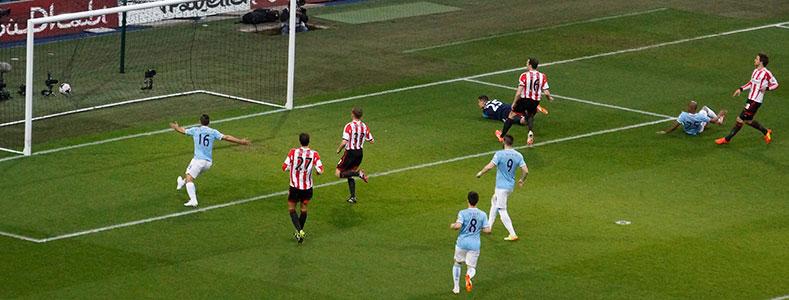 Fernandinho scores again